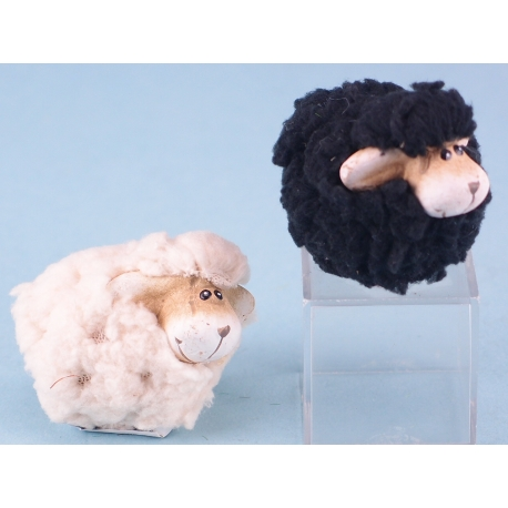 Ceramic woolly sheep