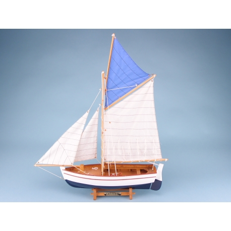 Falmouth Oyster Boat - 50cmL x 52cmH
