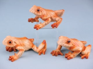 Wood effect frogs - 10cm