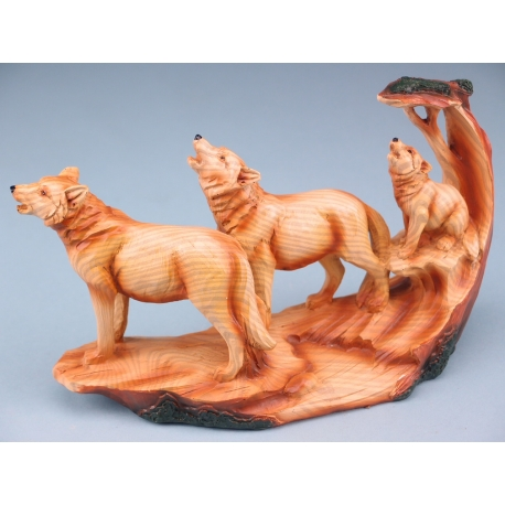 Wood Effect Wolf Family With Tree - 24cm