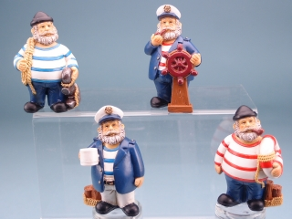 Standing sailor figurine - 9.5cm