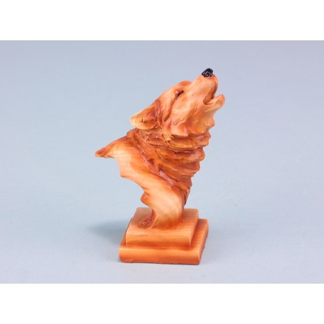 Wood effect wolf head on plinth