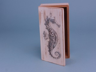 Rustic Box with Seahorse - 24 x 12 cm